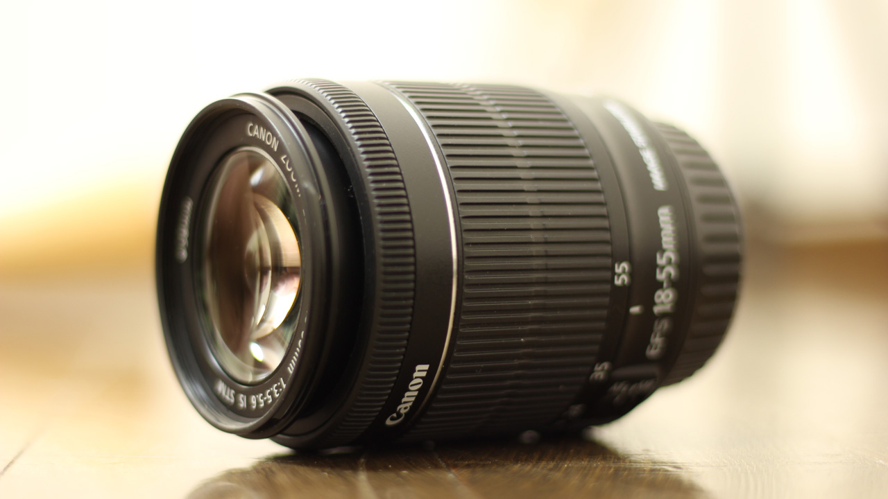 Canon デジタル一眼レフカメラ EOS Kiss X7 レンズキット EF-S18-55mm